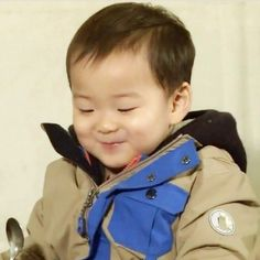 #songminguk Cute Asian Babies, Cute Babies, Cute Baby Meme, Song Il Gook, Song Triplets, Superman Baby, Song Daehan, Meme Faces, Little Babies