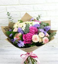 Букет Комплимент, Артикул: А398418. Курьерская доставка цветов на заказ: домой, в офис, в другой город. Прием заказов через интернет в Москве