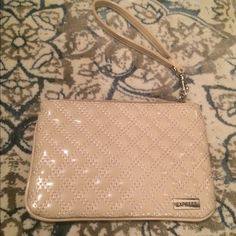Express wristlet Excellent condition/like new express wristlet Express Bags Clutches & Wristlets