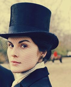 Downton Abby... how I love thee.  Wish I could wear this look everyday!