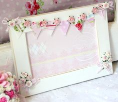 Cottage Chic Photo Bunting Frame Cottage Style by thecottagemarket Photo Bunting, Pink Bunting, Frame Crafts, Diy Frame, Manualidades Shabby Chic, Diy And Crafts, Paper Crafts, Shabby Chic Crafts, Handmade Frames