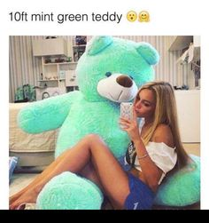 A 10 ft mint teddy bear! Huge Teddy Bears, Giant Teddy Bear, Big Teddy, Ted Bear, Cute Date Ideas, Ft Tumblr, Think Small, Best Gifts For Her, My Favorite Color
