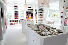 Tour Lisa Vanderpump's Villa Rosa | The Real Housewives of Beverly Hills Photos