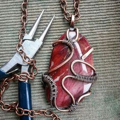 wiregalaxyWorkshop. Pendant with jasper #jasper #pendants #jewelrystone #jewelry_magic #jewelry #wire_jewelery #wirewrapped #wirewrap #workshop #mookaite #jewelry_jasper #wiregalaxy #ukraine #uablog #insta_kyiv #insta_workshop #insta_jewelry #crafts #artisan #art #bohopendant #bohojewellery #boho #copper_pendants #copper_jewelry