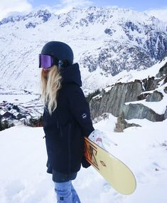 Discover recipes, home ideas, style inspiration and other ideas to try. Snowboarding Outfit, Snowboarding Videos, Snowboard Girl, Snow Pictures, Snow Fashion, Winter Photos, Winter Photography, Winter Snow, Mountain Biking