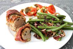 """Rezept für eine super leckeres Low Carb Bohnengemüse mit Radicchio Salat. Dazu gibt es Schweinefilet """"Parma"""" mit Basilikum-Parmesan-Haube ..."""
