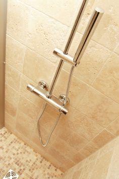Entretien travertin salle de bain, vente et conseils d'hydrofuge effet perlant | Blog conseils de Cera Roc Plus