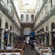 Pasaje de las Flores Street View, City Photography, Istanbul, Cities, Viajes, Flowers, Fotografia