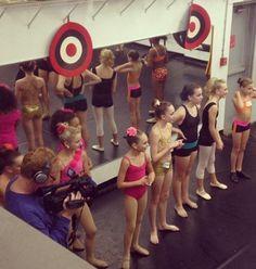 dance moms Maddie And Mackenzie, Mackenzie Ziegler, Maddie Ziegler, Dance Moms Dancers, Dance Moms Girls, Ballet Dancers, Watch Dance Moms, Dance Company, Favorite Tv Shows