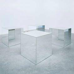 Robert Morris, Untitled mirror plate glass and wood, object: 914 x 914 x 914 mm © ARS, NY and DACS, London 2002 Robert Morris, Minimal Art, Instalation Art, Minimalist Painting, Mirror Art, Art World, Art History, Contemporary Art, Furniture