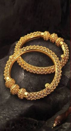 Ideas For Jewerly Gold Indian Design Beautiful India Jewelry, Jewelry Art, Gold Jewelry, Jewelry Design, Gold Bangles Design, Silver Bangle Bracelets, Healing Bracelets, Wedding Jewelry, Wedding Disney