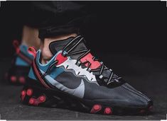 The Nike React Element 87 October 2018 Release Collection Drops Tomorrow 👟 New Nike Shoes, Men's Shoes, Shoe Boots, Shoes Sneakers, Best Sneakers, Sneakers Fashion, Streetwear, Sneaker Store, Nike Trainers