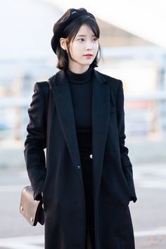 kpop fashion Stylish Outfits For Airport Style This Fall, Business trips are sometimes a true pain. Needless to say, you don't will need to be part of a tour to have an adventure, but if Tumblr Outfits, Hipster Outfits, Kpop Outfits, Korean Outfits, Stylish Outfits, Fashion Outfits, Airport Outfits, Work Outfits, Fall Outfits