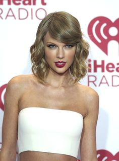 Flawless makeup. Classic taylor