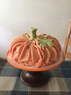 Autumn / pumpkin cake