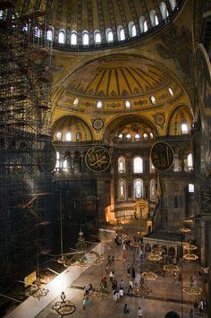 https://flic.kr/p/hCiJjA | Main Corridor | Hagia Sophia - Istanbul, Turkey  © Diego Cupolo 2013