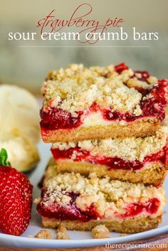 Strawberry Pie Sour Cream Crumb Bars - these sound delicious! can swap flavors with other fruit pie fillings