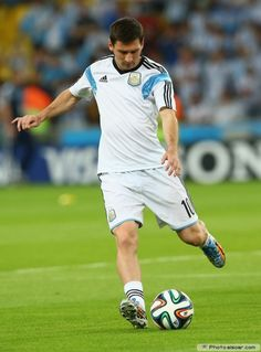 Lionel Messi Argentina 2014 FIFA World Cup Photo Wallpaper B