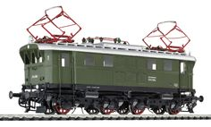 G Scale Scenery and Figures at http://www.modelscenery.net