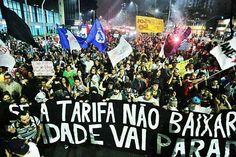 Estudantes e integrantes do Movimento Passe Livre reivindicam a revogação do aumento da tarifa de trem e de ônibus em São Paulo: confrontos deixaram mais de 40 pessoas feridas (Foto: EBC)