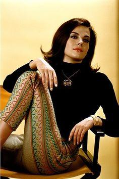 Natalie Wood 1960s fashion pants black turtleneck