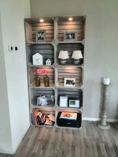 12 DIY craft ideas, what you can do with old wooden boxes! DIY craft ideas is part of Home diy - 12 DIY craft ideas, what you can do with old wooden boxes! Cheap Home Decor, Diy Home Decor, Room Decor, Wall Decor, Old Wooden Boxes, Crate Furniture, Wooden Furniture, Furniture Ideas, Furniture Stores