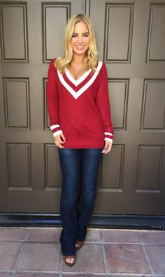 Varsity Prep V Neck Sweater - BURGUNDY