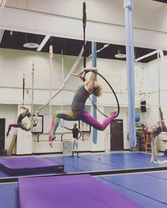 Love this combo of moves. Some moves inspired by @that_circus_freak! #aerialhoop…