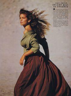 Cindy Crawford, UK Vogue, January 1989_4