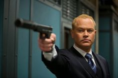 Neal McDonough Joins CW The Arrow as Villain Damien Darhk
