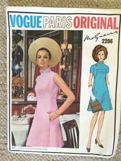 Vintage  VOGUE PARIS ORIGINAL One-Piece DRESS by Molyneux  Pattern 2206 Size 14