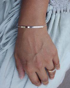 Mom bracelet / Silver name bar bracelet / Personalized par shopLUCA