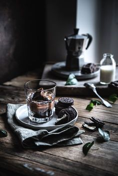 Cubes of vanilla iced coffee - Coffee Ice Cubes Dark Food Photography, Coffee Photography, Coffee Ice Cubes, Coffee Drinks, Iced Coffee, Coffee Jelly, Coffee Enema, Coffee Love, Coffee Art