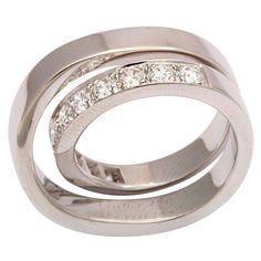 Anillo de compromiso con diamantes en oro blanco