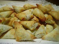 La cuoca in viola: Triangoli di pasta fillo con spinaci e feta