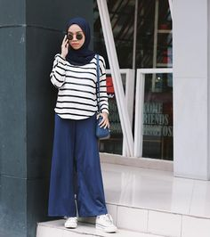 70.4k Followers, 510 Following, 1,453 Posts - See Instagram photos and videos from Fithria Qamara (@fithqa) Street Hijab Fashion, Muslim Fashion, Modest Fashion, Korean Fashion, Women's Fashion, Casual Hijab Outfit, Hijab Chic, Casual Outfits, Ootd Hijab
