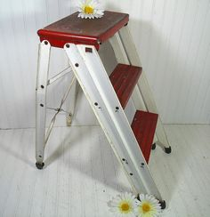 Vintage Red & White Enamel Metal Folding Step Stool - Chippy Paint Heavy Duty…