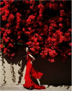 Mario Testino- Queen of Hearts with her Roses?