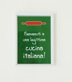 Quadrinho personalizado para colocar na cozinha. A mensagem, as cores e as ilustrações são totalmente personalizáveis.