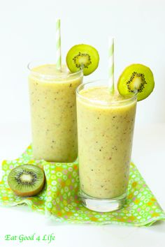 Kiwi and pineapple slushy. You can make with any flavor of your choice. Coconut is great as well. #cleaneating #glutenfree #vegan