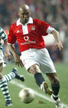 Hélder, jogador do Benfica de 1992 a 1997 e 2003 a 2004. Fez 230 jogos, marcou 16 golos, ganhou 1 Campeonato Nacional e 3 Taças de Portugal.