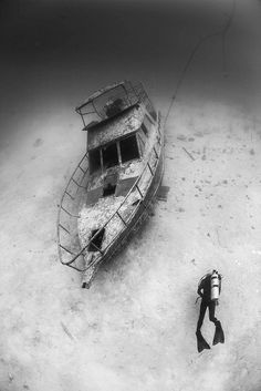 Wreck near alona beach, Bohol