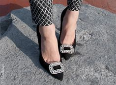 Nine West Pointy toe pumps with Shoelery by Erica Giuliani regal diamante buckle clip