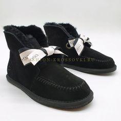 Угги UGG мини черные с помпонами цена от 5990 рублей Ugg Australia, Uggs, Fashion, Moda, Fashion Styles, Fashion Illustrations, Ugg Boots