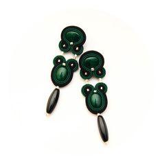 Γεια, βρήκα αυτή την καταπληκτική ανάρτηση στο Etsy στο https://www.etsy.com/listing/217673539/emerald-earrings-with-black-green