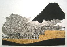 Water in Mt.Fuji by Reika Iwami - une forme de simplicité intégration des cernes du bois... mise en abime du paysage de foret par le motifs bois