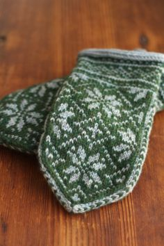 nordic mittens (I'll never be able to knit these, I'll just swoon over the image)