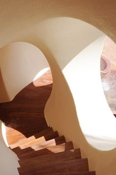 German illustrator, Jonathan Niclaus, translates the work of the master architect behind Palais Bulles, Antti Lovag, in a series of five illustrations - architecture Organic Architecture, Interior Architecture, Architecture Quotes, Minimalist Architecture, Home Interior, Interior And Exterior, Farmhouse Interior, Modern Farmhouse, Architecture Organique