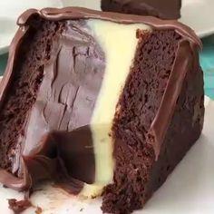 Classic chocolate cake pies / recipes up Informations About Klassischer Schokoladenkuchen tort Mini Desserts, Chocolate Desserts, Just Desserts, Delicious Desserts, Dessert Recipes, Yummy Food, Appetizer Recipes, Classic Desserts, Dessert Food