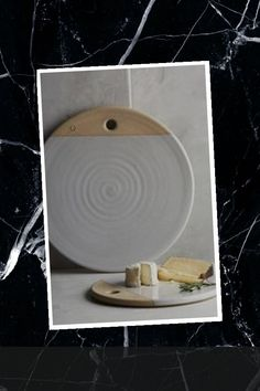 Art Projects, Sewing Projects, Cheese Board Set, Pottery Ideas, Ceramic Pottery, Boards, Ceramics, Cute, Planks